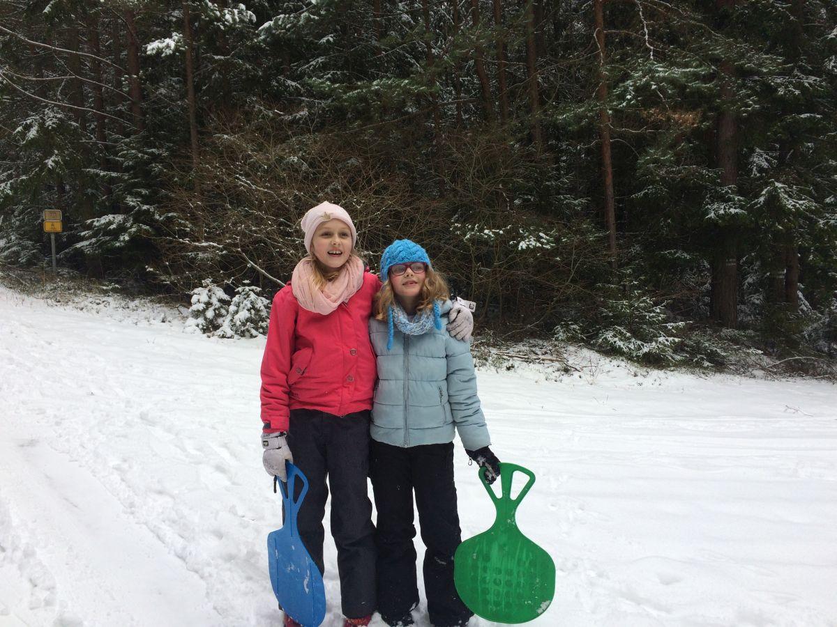 sestry_na_snehu