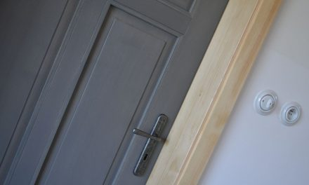Smrkové dveře
