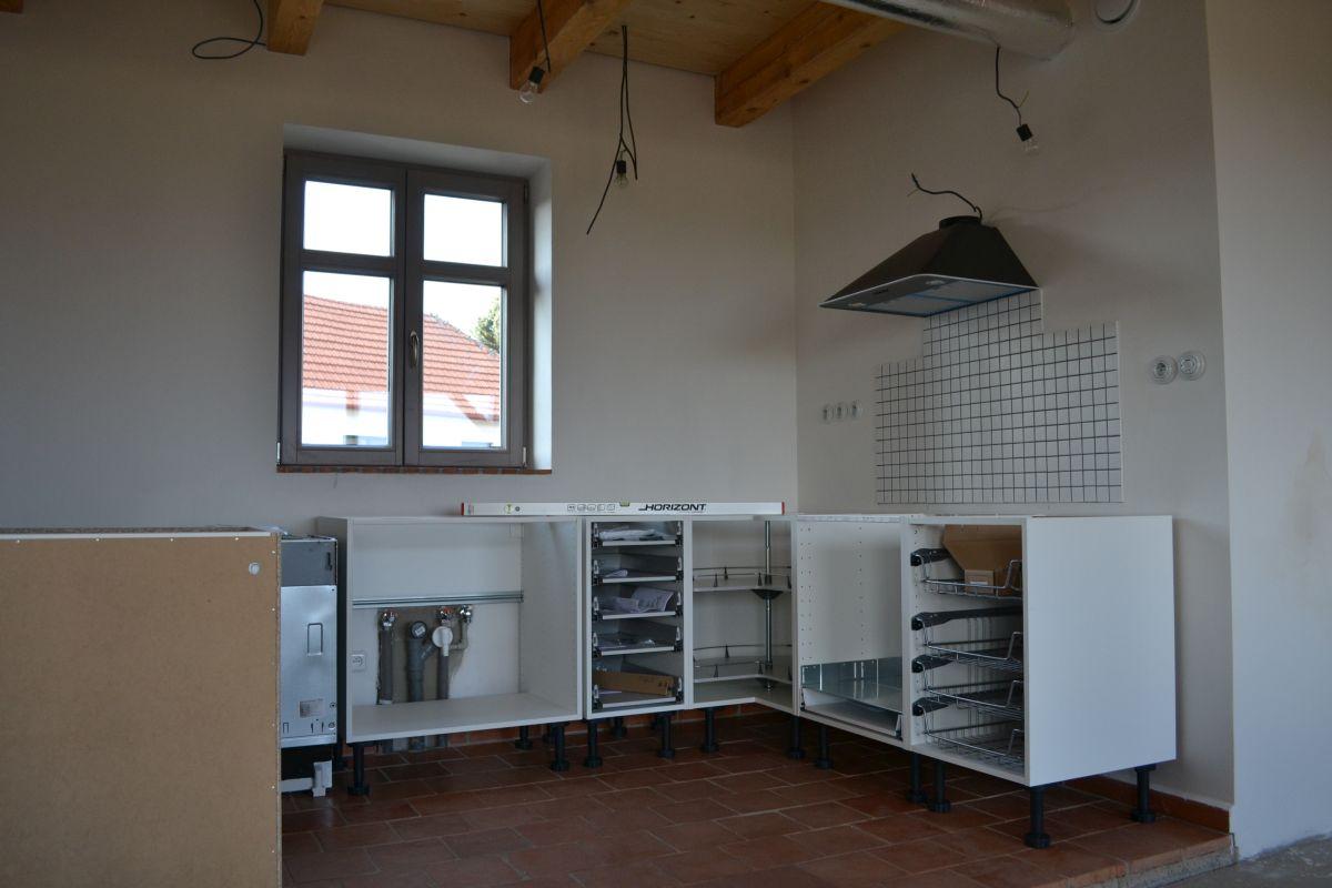 montujeme_kuchyn_korpusy