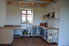 kuchyn_deska_skrinky