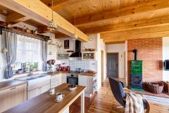 chalupa_interier_venkovska_kuchyne